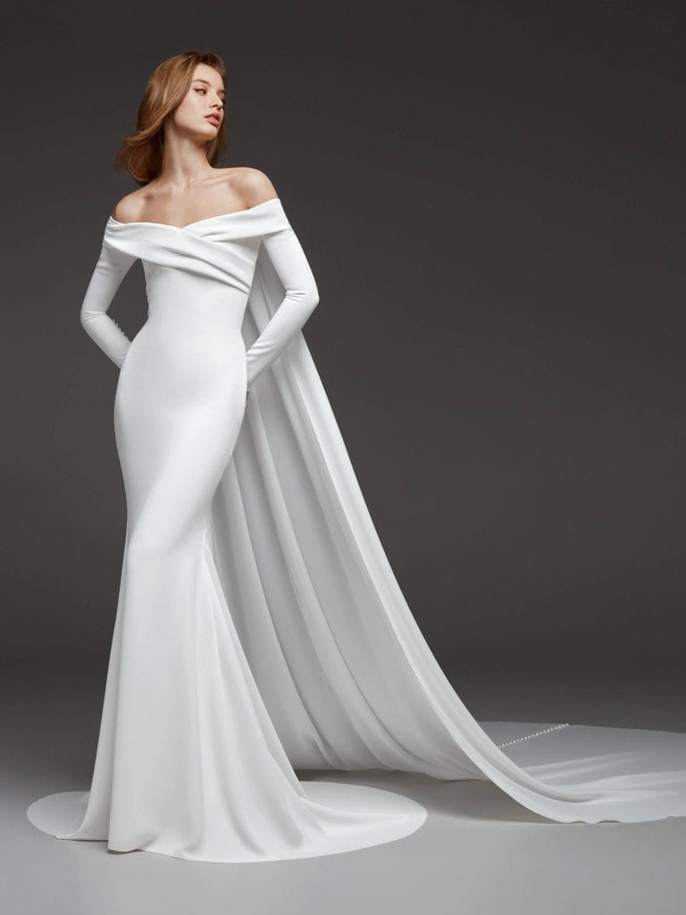 Crepe wedding dress with buttoned train